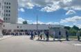 Белорусы часами стоят в очередях, чтобы получить апостиль на диплом, позволяющий поступить в иностранный вуз