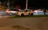 Видеофакт: Таксист спас демонстранта от бандитов Караева