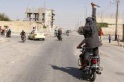 Ответственного за казни боевика ИГ обезглавили за курение