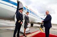 Как Лукашенко дважды подставился своим подарком Додону