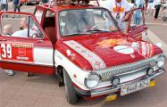Фотофакт: Фестиваль ретро-автомобилей на улицах Молодечно