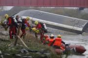 Число жертв крушения поезда во Франции возросло до 10