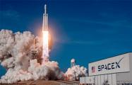 SpaceX запустила ракету с массивным коммерческим грузом