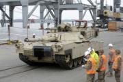В Латвию из США доставили 120 единиц боевой техники
