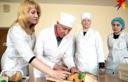 В Минске доцент университета учится на медбрата, чтобы прожить до 100 лет
