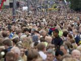 На улицы Осло вышло 150 тысяч человек