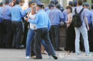 Милиция опять начала задерживать журналистов