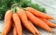 Фотофакт: В Минске продают морковь по $32 за килограмм, перец - по $6