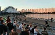Видеофакт: Одна из шести колонн велосипедистов едет по Минску