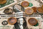 Установленный на бирже курс валюты остудит спекулятивно настроенных продавцов - банкир