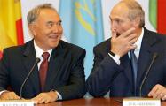 Лукашенко «с большим сожалением» воспринял отставку Назарбаева