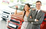 В Беларуси начали сметать автомобили из автосалонов