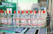 В Беларуси могут ввести единые цены на массовые виды водки
