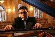 Белорусский пианист Смирнов выступит на концерте в Париже