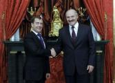 Лукашенко и Медведев могут в ноябре подписать новые контракты по нефти и газу