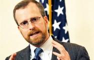Дэвид Крамер: США должны целиться в «кошельки» Лукашенко