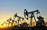 Российская нефть марки Urals уходит в минус вслед за WTI