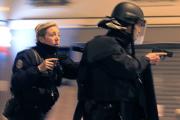 Полиция объяснила панику в центре Парижа взрывом петарды