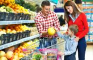 Беларусы везут из Польши и Украины продукты, одежду и телевизоры