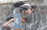 Минчане о жаре: Все через раз дышат, а я нарадоваться не могу