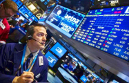 Мировые рынки выросли до максимумов в надежде на восстановление экономики