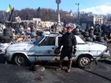 Фотофакт: Белорус охраняет Майдан в Киеве