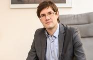 После лишения адвокатской лицензии Сергей Зикрацкий уехал в Вильнюс