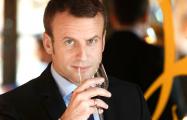 Президент Франции признался, что пьет вино дважды в день