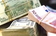 Валютная выручка Беларуси снизилась на четверть