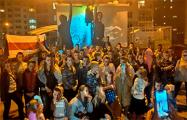Жильцы домов на «площади Перемен» поддержали своего соседа