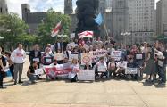 Белорусы Филадельфии провели акцию против блокировки «Хартии-97»