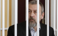 До последнего Санников не знал, что его переведут из Бобруйска