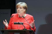 Меркель отказалась считать неверным решение пустить в ФРГ миллион беженцев