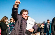 Пинчанка: Предлагаю всех чиновников отправить на заработки