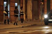 В Франции приняли закон о штрафах для клиентов проституток