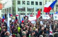 В Праге прошел митинг с требованием отставки премьер-министра Чехии