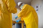 Американских журналистов отправили в карантин из-за Эболы