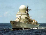 Сомалийские пираты напали на военный корабль