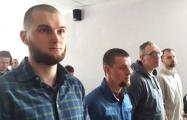 Четверо патриотов требуют по 100 тысяч рублей компенсации