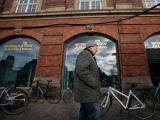 Датская газета отгородилась от террористов колючей проволокой