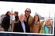 Ведущий NBC устроил розыгрыш с «фотобомбами» на крыше «Рокфеллер-плазы»