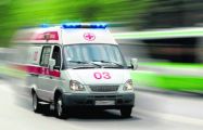 С крыши пятиэтажки в Гродно упала люлька со строителем