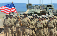 США перебросили ударную группу к Сирии