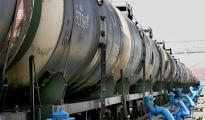 Экспорт белорусской нефти упал вдвое в денежном выражении