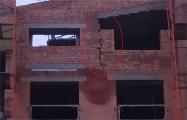 Минчане обнаружили трещину в стене строящегося дома в «Новой Боровой»
