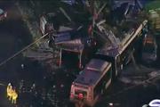 В Нью-Йорке грузовик врезался в рейсовый автобус