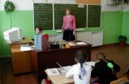 Лукашенко предложил учителям брать с обеспеченных родителей деньги