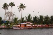 При крушении судна с туристами в Бенгальском заливе погиб 21 человек