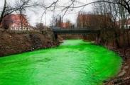 Литовцы покрасили реку в день Св. Патрика