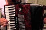 Как белорусы играют песни протеста на разных инструментах